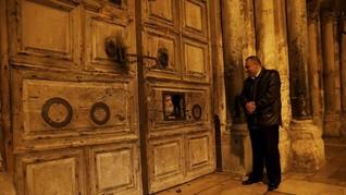 FOTO: Kisah Seorang Muslim Kuncen Makam Yesus