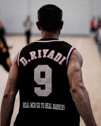 Dari dulu basket memang jadi kecintaannya. Tapi, selain basket, rupanya ia juga sering berolahraga di gym.