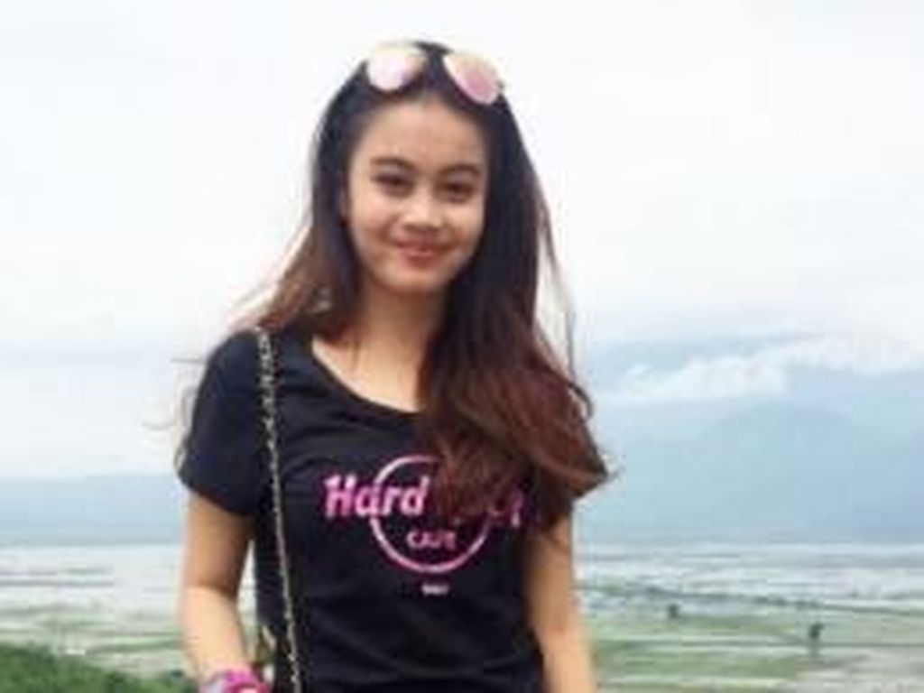 Foto: Kecantikan 8 Wanita yang Memikat Hati Pemain Sepakbola Indonesia