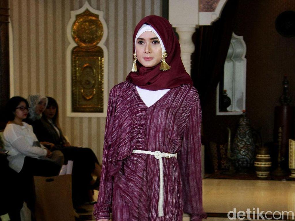 Foto: 20 Koleksi Busana Muslim Karya Jenahara yang Terinspirasi Maroko