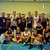 Masih banyak selebriti yang tertarik dengan bola basket, salah satunya Choky Sitohang. Pria yang punya gaya hidup sehat ini memang mengatur pola makannya dengan baik dan juga rajin berolahraga. (Foto: Instagram @sitohangchoky)