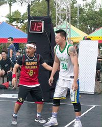Rico Ceper sering tertangkap kamera sedang terjun dalam pertanding basket. Rico pun kerap menjadi komentator di beberapa acara olahraga. (Foto: Instagram @rico_cepero)