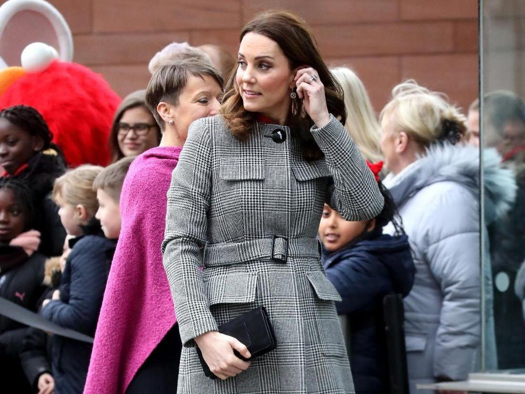 Hamil Trimester Kedua, Perut Buncit Kate Middleton Mulai Terlihat