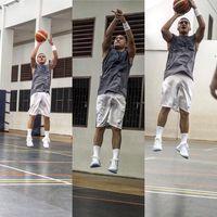Tak ketinggalan, artis Mario Lawalata pun kegandrungan olahraga yang satu ini. Lihat saja otot-otot badannya semakin terlihat kuat karena rajin olahraga. (Foto: Instagram @lawalata13)