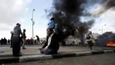 Dengan pecahnya protes dan kemarahan internasional, langkah kontroversial AS ini dikhawatirkan mengganggu proses perdamaian Israel-Palestina yang tak kunjung menemui titik terang.(REUTERS/Mohamad Torokman)