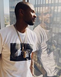 Usher Terrence Raymond atau lebih dikenal dengan Usher, merupakan seorang penyanyi R&B, pencipta lagu, penari, dan aktor berkebangsaan Amerika Serikat. Foto : Instagram @usher