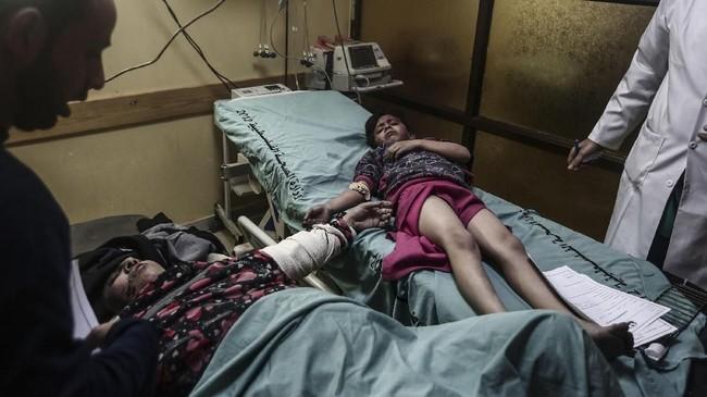 Bentrokan antara tentara Israel dan pendudul Palestina saat demonstrasi juga menyebabkan dua orang tewas dan 155 lainnya terluka, dengan dua di antaranya berada dalam kondisi kritis. (Anadolu/Mustafa Hassona)