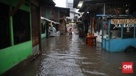 Antisipasi Banjir, Polres Jaksel Sediakan 10 Perahu Karet