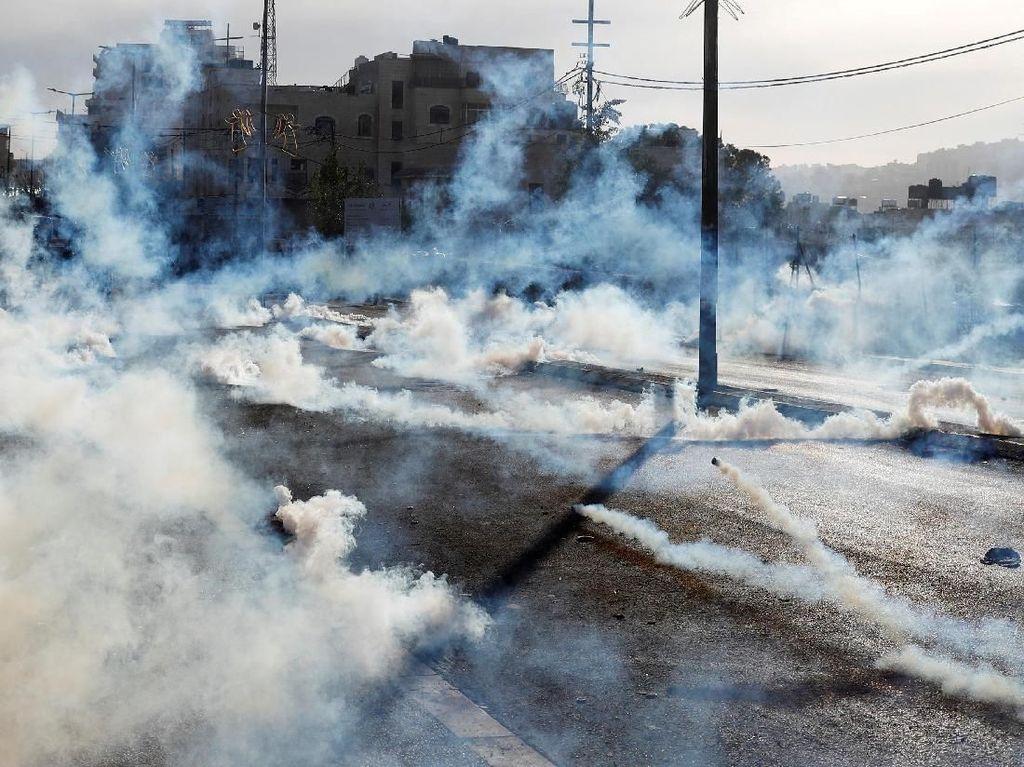 Bentrokan terjadi di Bethlehem, West Bank, 10 Dsesember waktu setempat. Goran Tomasevic/Reuters.
