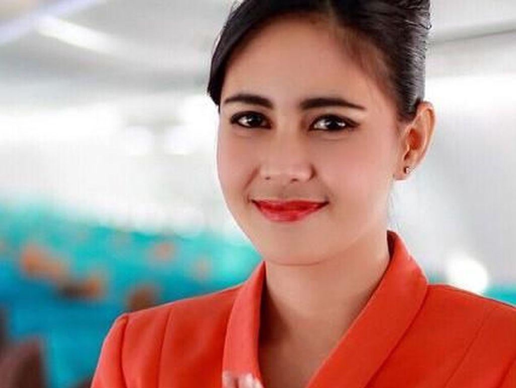 Foto:  8 Pramugari Indonesia yang Kecantikannya Bikin Pria Gagal Fokus