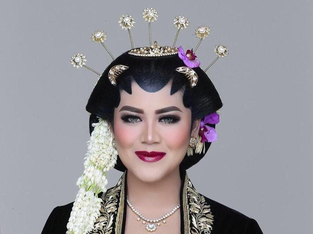 Foto: Transformasi Cantik Kahiyang Ayu dengan Berbagai Makeup Pengantin