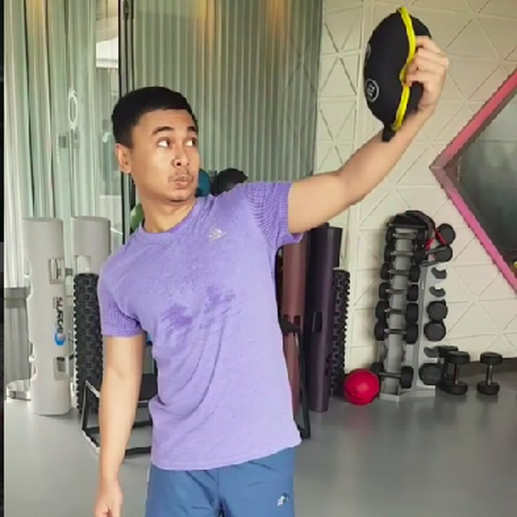 Kocak! Nge-gym ala Raditya Dika yang Bikin Ngakak