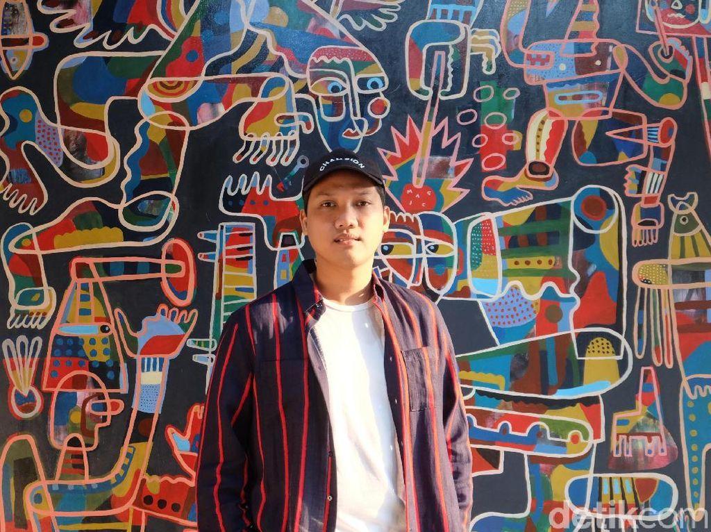 Dari Musik Kini Abenk Alter Eksis Sebagai Seniman Visual