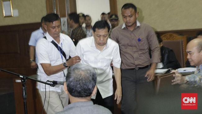 'Jurus' Diam ala Setnov Saat Ditanya Hakim Tipikor