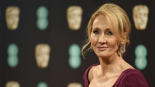 JK Rowling Terima Penghargaan dari Kerajaan Inggris