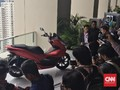 Perang Skutik 150cc Februari 2018, PCX Sukses 'Beredel' Aerox