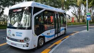 FOTO: Bus Tanpa Sopir Mulai Mengaspal di Jalanan China