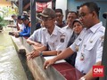 Cek Jati Padang, Anies Tegur Warga Pemilik Bangunan Liar
