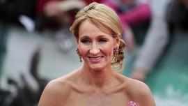 JK Rowling Klaim Pulih dari Gejala Covid-19