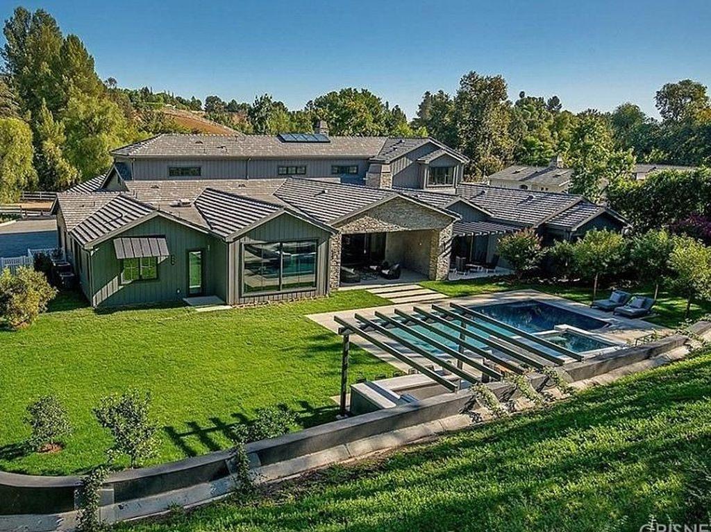 Foto: Mengintip Kemewahan Rumah Baru Kris Jenner Seharga Rp 135 Miliar