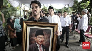 FOTO: Penghormatan Terakhir untuk AM Fatwa