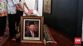 Upacara Militer Iringi Prosesi Pemakaman AM Fatwa