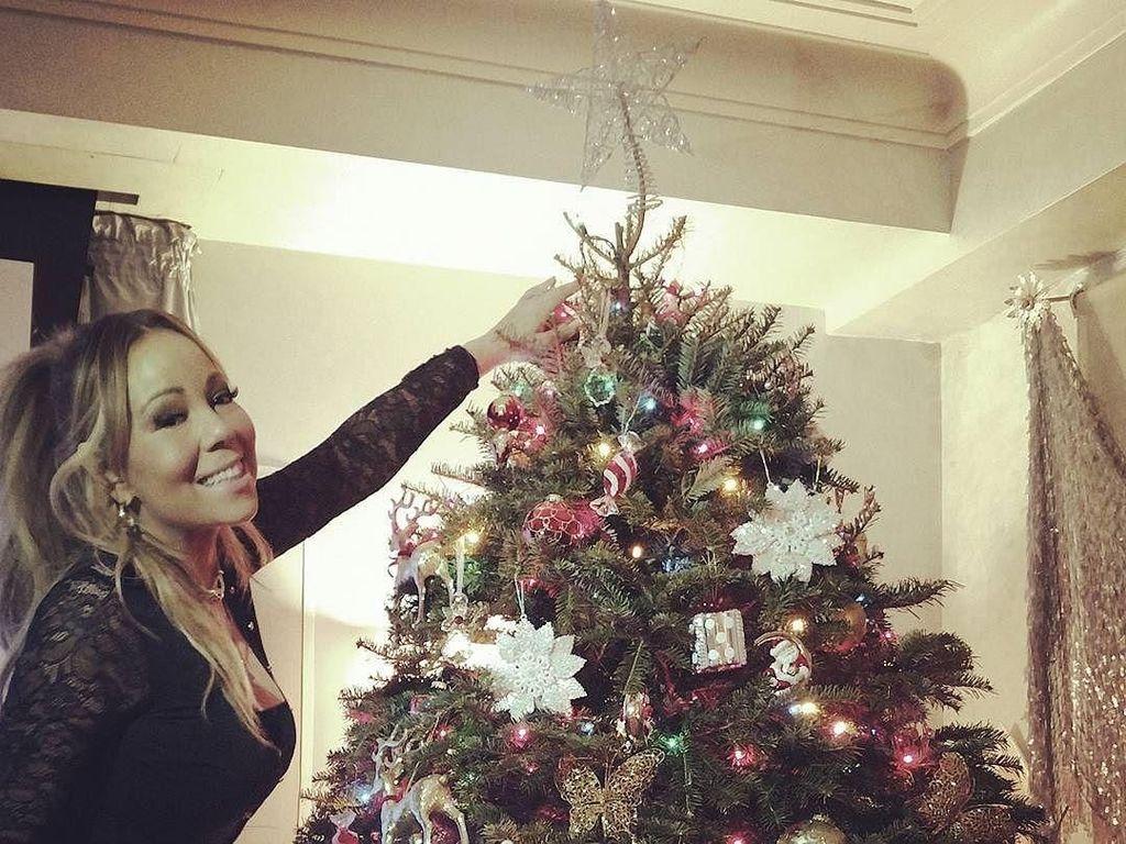 Foto: Inspirasi Dekorasi Pohon Natal dari Kylie Jenner Hingga Mariah Carey