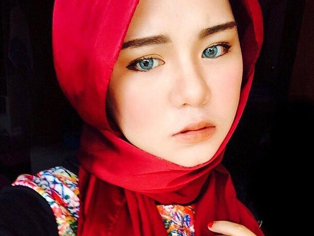 Foto: Manisnya Pesepakbola Wanita Malaysia Berhijab, Nur Indah