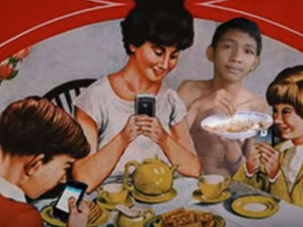 Meme berikutnya yang paling diburu adalah meme makan bang. Ada yang bisa tebak foto siapa itu yang nyempil sambil makan? Foto: Meme