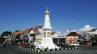 Jokowi dan Kaesang Jalan Santai di Malioboro