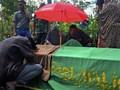 FOTO: Pemakaman Korban Gempa di Jawa