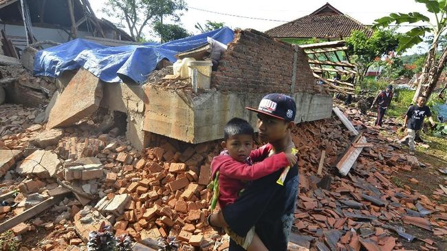 FOTO: Kerusakan Akibat Gempa Selatan Jawa