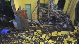Korban Tewas Akibat Gempa 3 Orang, Ribuan Bangunan Hancur
