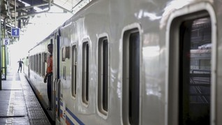 Kereta Api Jarak Jauh dan Kereta Bandara Kembali Normal