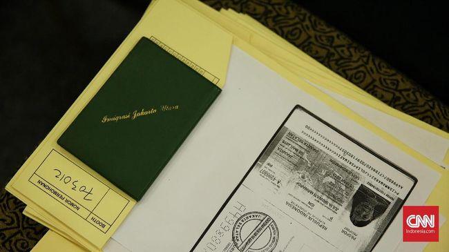 Jangan Nekat Bepergian dengan Paspor Rusak