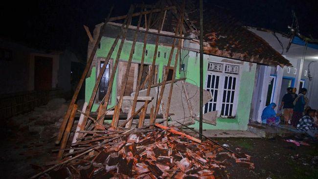 Dampak Gempa Bumi, Puluhan Bangunan di Tasikmalaya Hancur