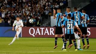 FOTO: Ronaldo Bawa Real Madrid Juara Piala Dunia Antarklub