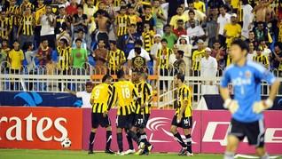 Kabar Viral Suporter Dortmund Berselawat Hanya Hoax