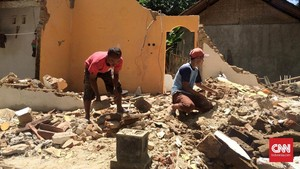 Gempa dan 'Puing-puing' Kengerian Warga Tasikmalaya