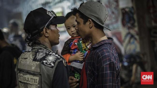 FOTO: Silaturahmi dalam Keriuhan Komunitas Punk
