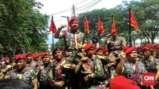 Panglima Singgung Netralitas TNI Saat Terima Brevet Kopassus