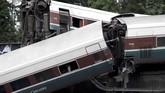 Pihak berwenang memastikan tiga korban tewas berasal dari kereta Amtrak Cascades 501. Pengguna jalan yang terdampak kecelakaan bisa diselamatkan meski banyak yang menderita luka-luka. (REUTERS/Steve Dipaola)