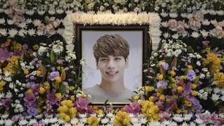 Berantakan, Fan Bereskan Memorial Jonghyun di SM Coex Artium