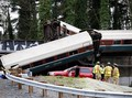 Kereta Api AS Tergelincir dari Jembatan, 3 Tewas