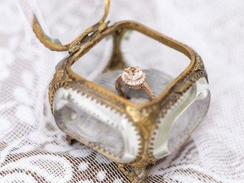 Foto: 11 Inspirasi Kotak Cincin Agar Lamaran Semakin Romantis