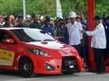 Presiden Jokowi Mengaku Deg-degan Jajal Mobil Listrik Ezzy II