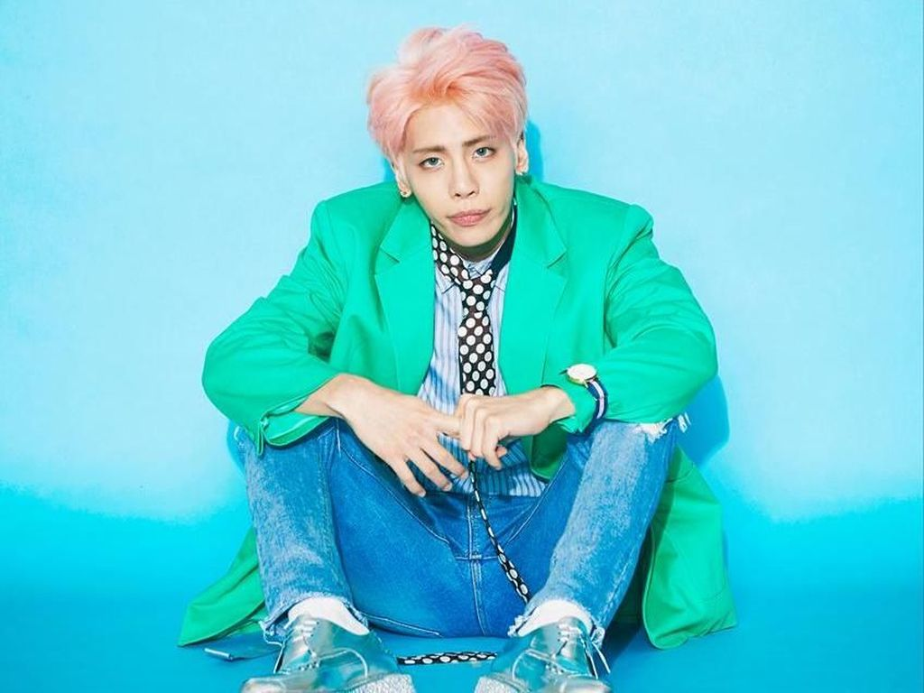 Foto: Mengenang Jonghyun Shinee, Ini Gaya Busananya yang Eksentrik