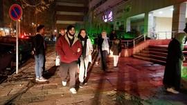 Panik Saat Gempa Iran, Wanita Hamil Tewas