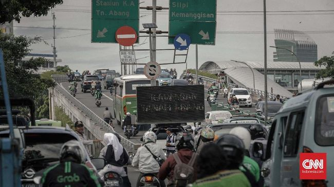 Penutupan Jalan Tanah Abang: 'Lebih Macet, Lebih Repot'