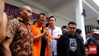 Netizen Sedih 'Om Ganteng' Tio Pakusadewo Ditangkap